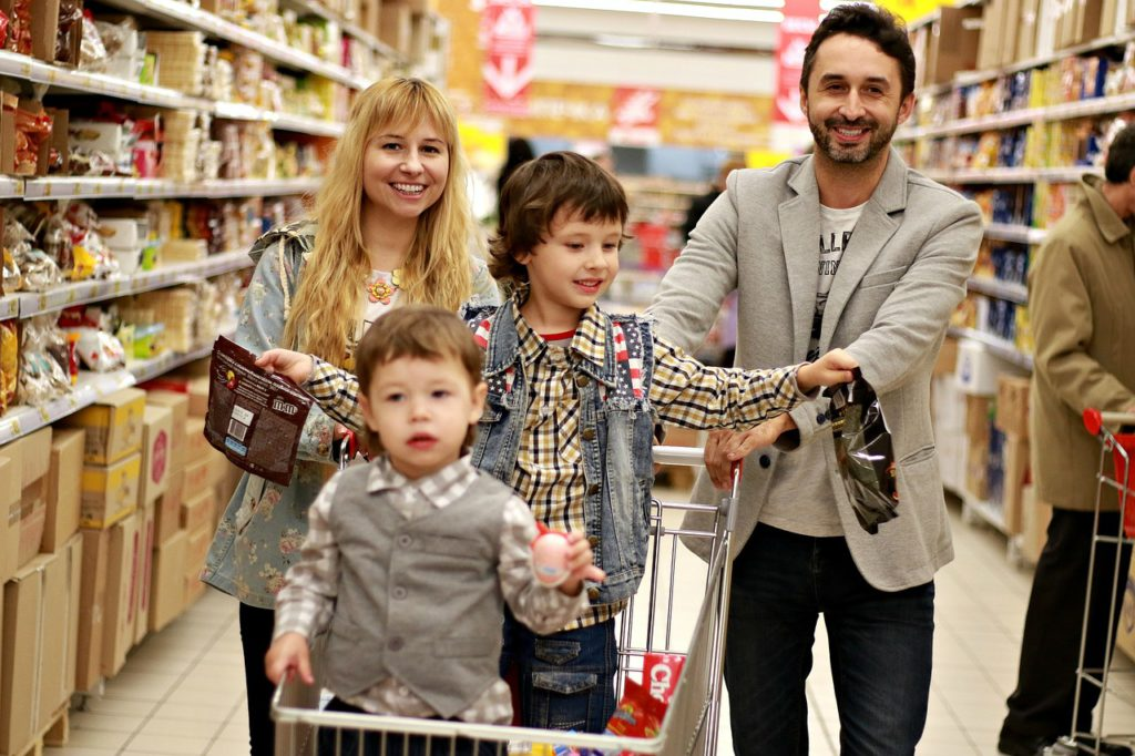 La Unión de Consumidores de Cantabria recomienda siete consejos para comprar en rebajas